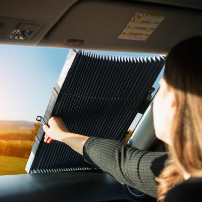 Fényvisszaverő roló autóba